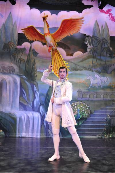 19 Moscow Ballet's Great Russian Nutcracker features flying birds by South Africa's Roger Titley.jpg