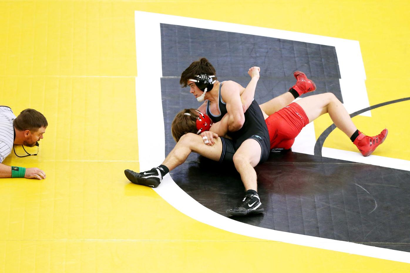 20210220-spts-wrestling-mc-3.JPG