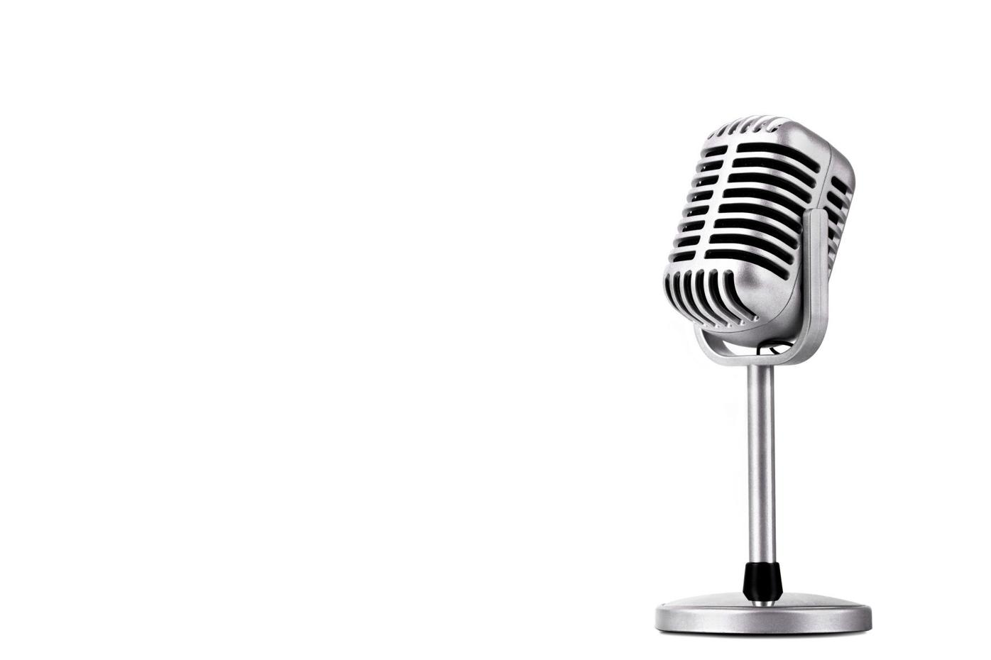 Retro,Style,Microphone,Isolated,On,White,Background
