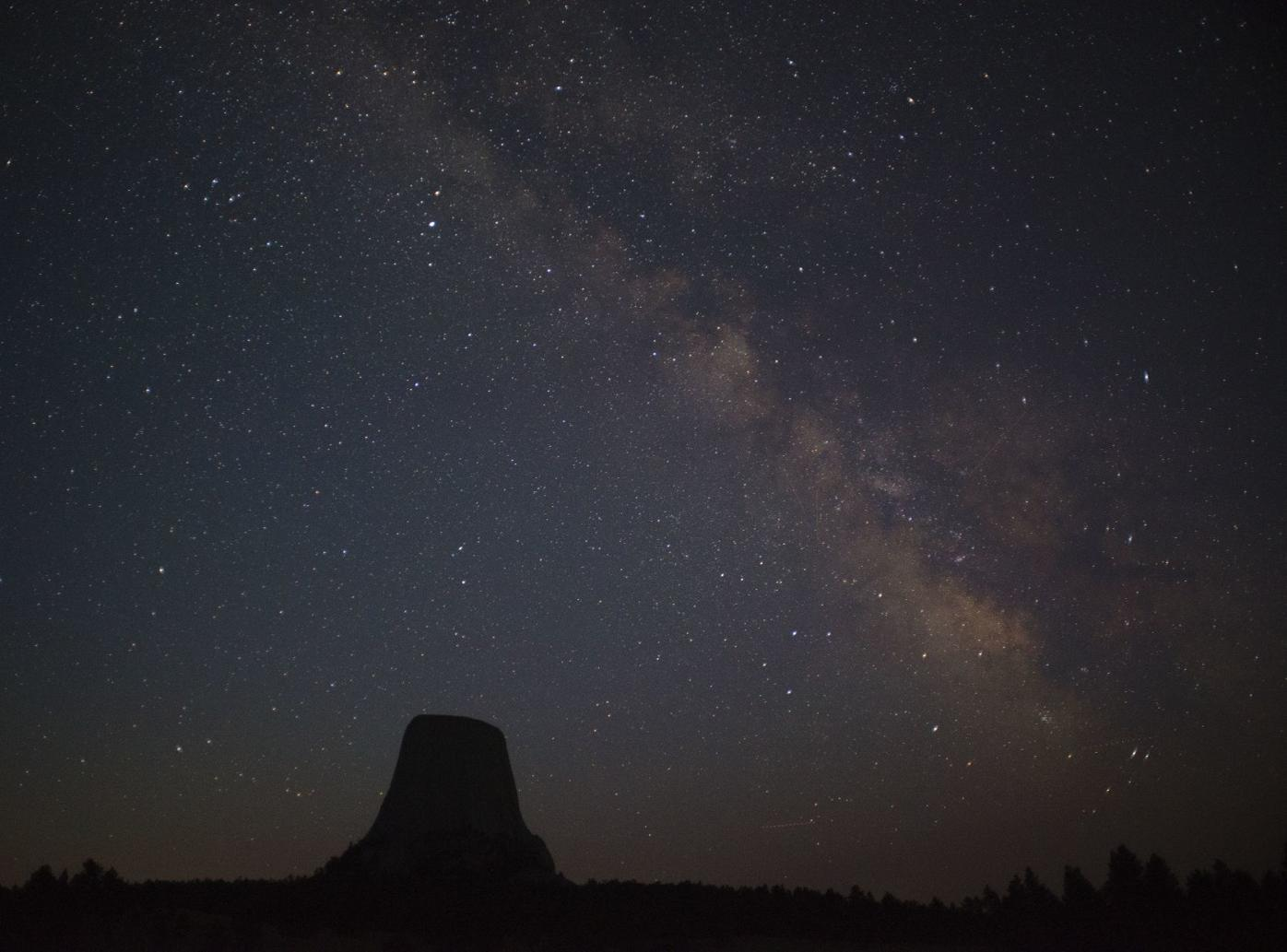 Devils Tower and Milky Way_DSC8810.psd