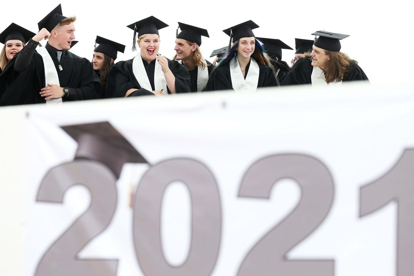 20210527-news-triumphgrad-mc-1.JPG