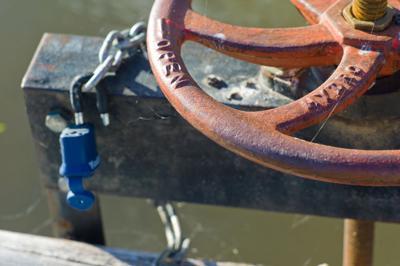 water hfeadgate