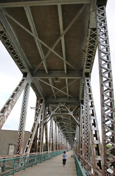 City, DOT Officials Discuss The Fate Of Meridian Bridge