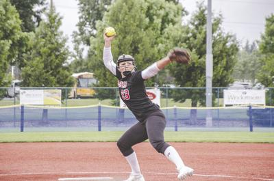 Yelm pitcher Tayelyn Cutler