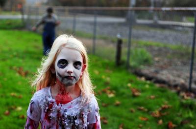 news.131012.bucoda.haunted.house.lhb904.JPG