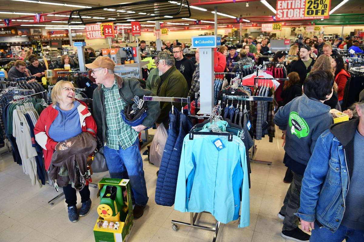 'Emotional Process': Shoppers Flock to Yelm's Sunbird Shopping Center After Closure Announcement