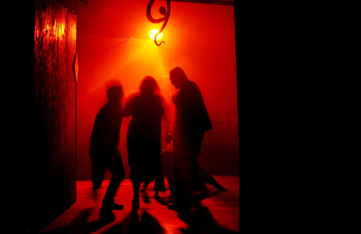 news.131012.bucoda.haunted.house.lhb901.JPG