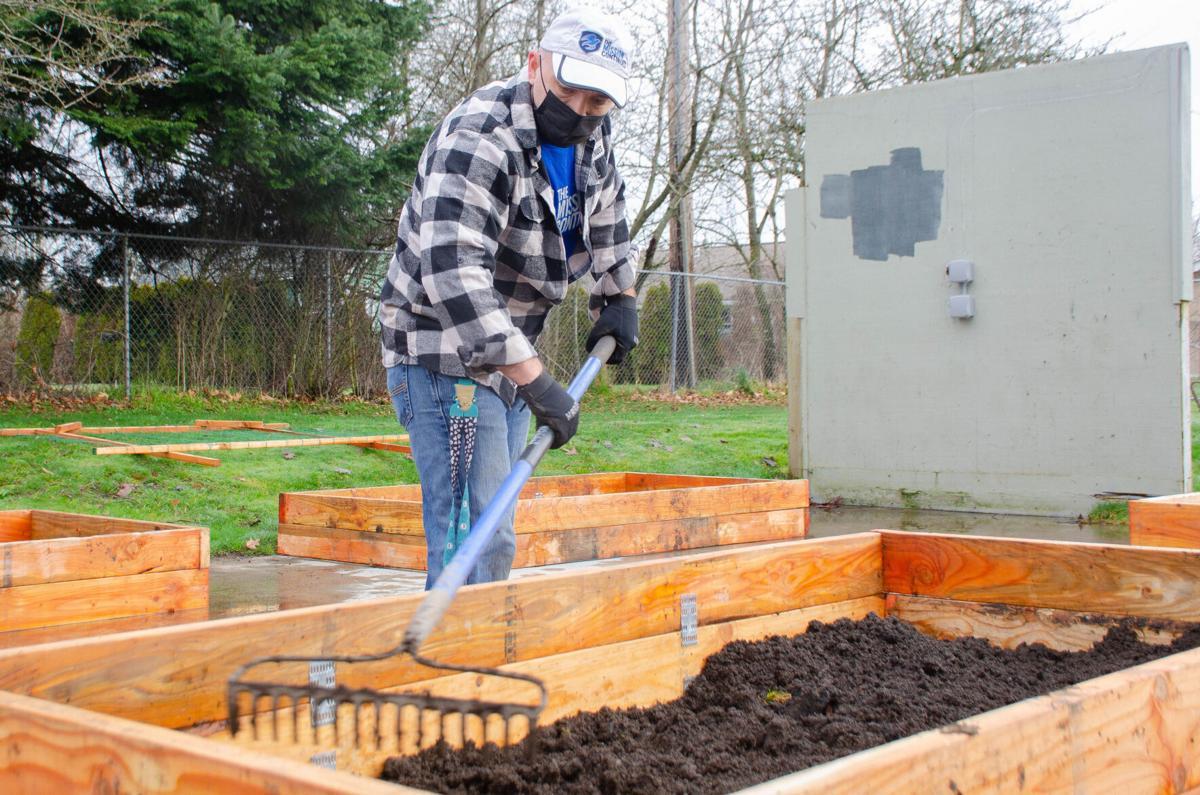 210121.news.communitygarden.er2.jpg