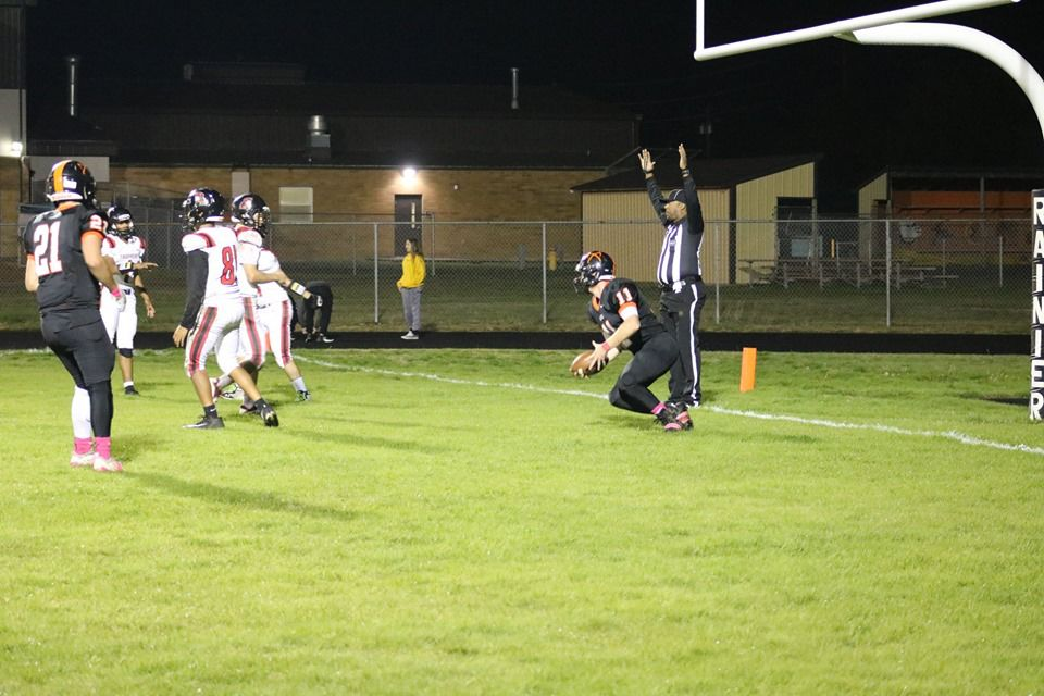 2B Football: Mountaineers Dominate Fort Vancouver