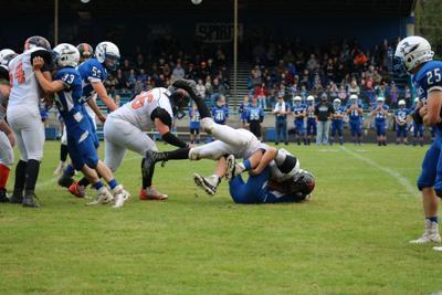 2B Football: Rainier Steamrolls Toutle Lake 48-14