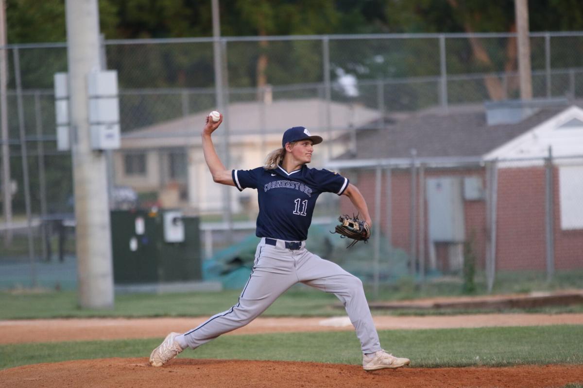 Bradyn Glebe pitching