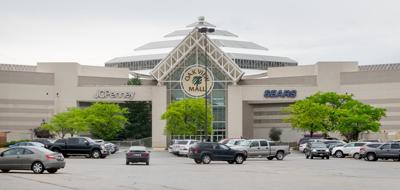 Oak View Mall in May 2015.