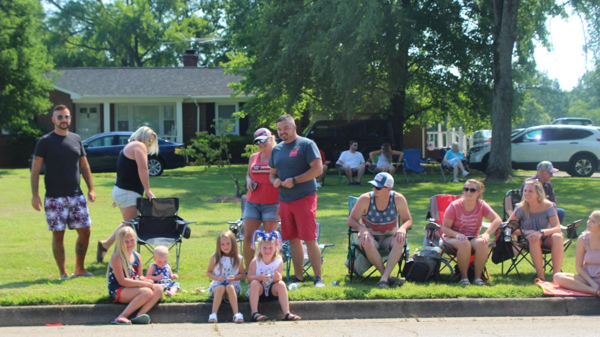 Community comes together for Fourth of July parade in Scottsburg