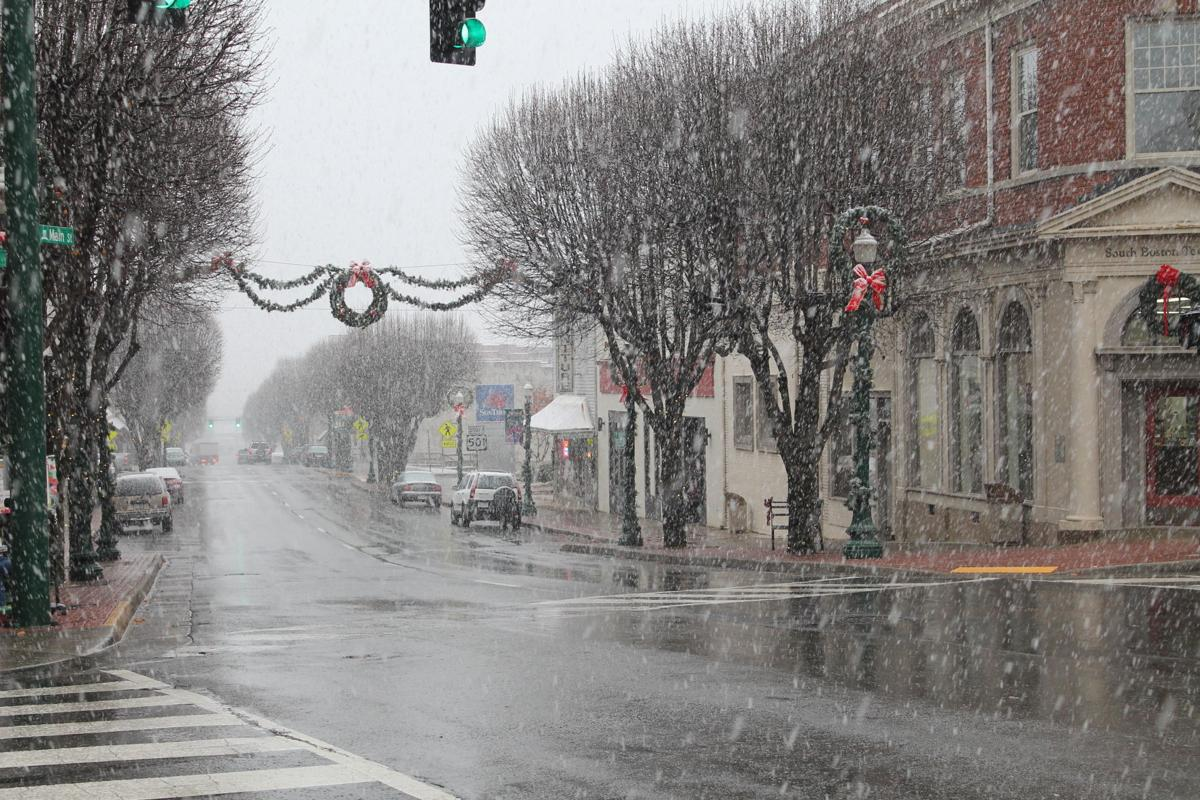 Storm Causes Outages Warming Center Opens For Upcoming Frigid Onefire Clover Night Lamp Weather Local News