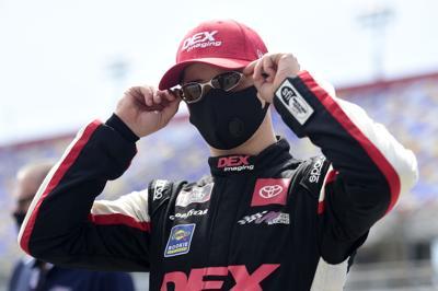NASCAR Xfinity Series Sport Clips Haircuts VFW 200