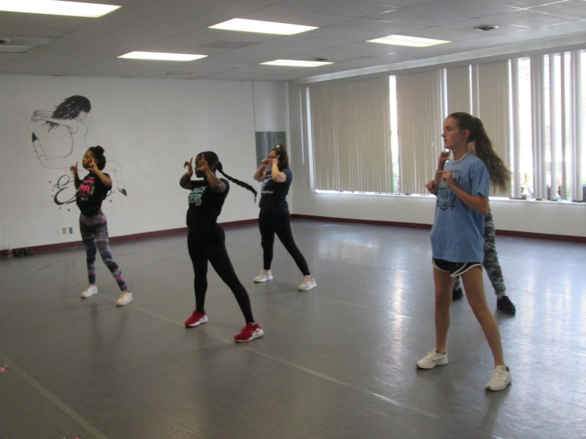 dance studio2.JPG